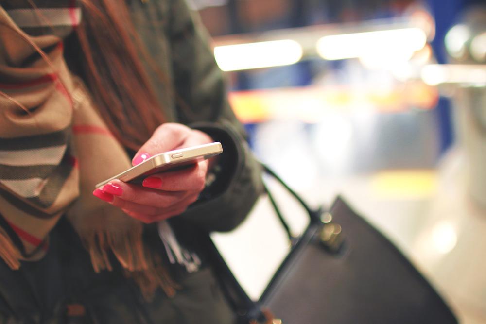 Uso del contactless y las apps móviles en España